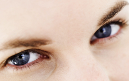 Arrêtez d'être fatigué, voici 7 astuces du yoga des yeux pour améliorer la vue et se sentir mieux